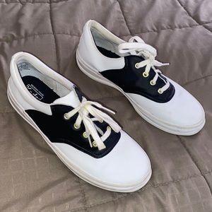Girls Keds School Days II, size 5M, saddle shoes.